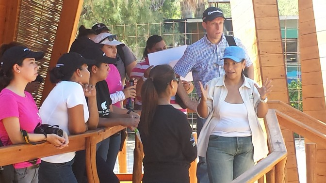 """Colaboradores de la empresa """"JW Marriott Los Cabos"""" recorrieron el Centro de Visitantes e Interpretación de la Naturaleza del Parque Nacional Cabo Pulmo."""